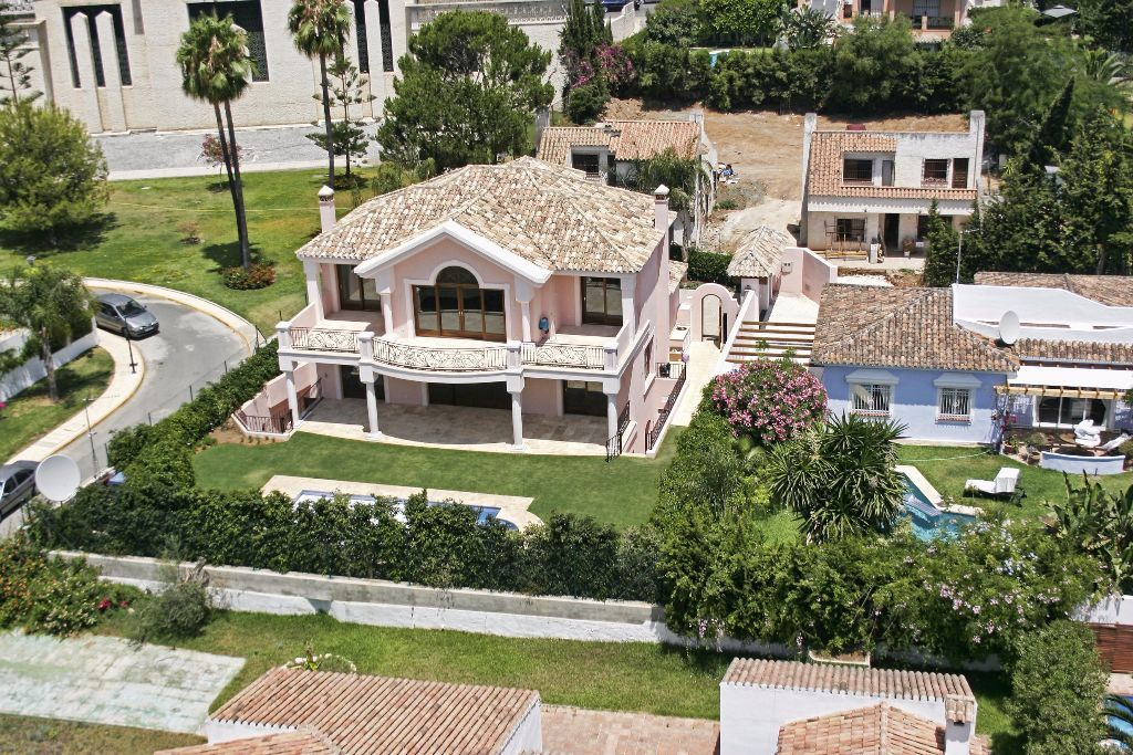 Villa Casablanca 10C, Golden Mile, Marbella, Spain